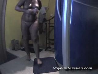 Сексуальная мамаша с большими сиськами мастур