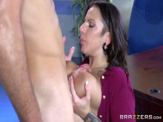 Секс видео зрелой жены и директора фирмы - порно для дрочки дома у мужа