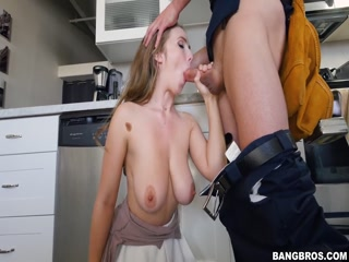 Сексуальная зрелая мамаша соблазнила сан
